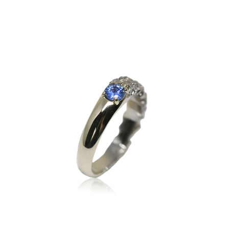 Rocky,Ring,in,14k,white,gold,with,0,25,carat,sapphire, 18k, brilliant, diamond, ring, artisan, jewellery, handmade