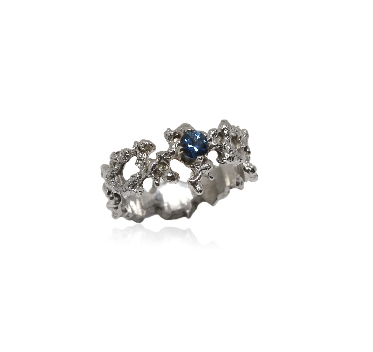 Out of the Sea Ring in 14k white gold with 0,3 carat sapphire - product images  of