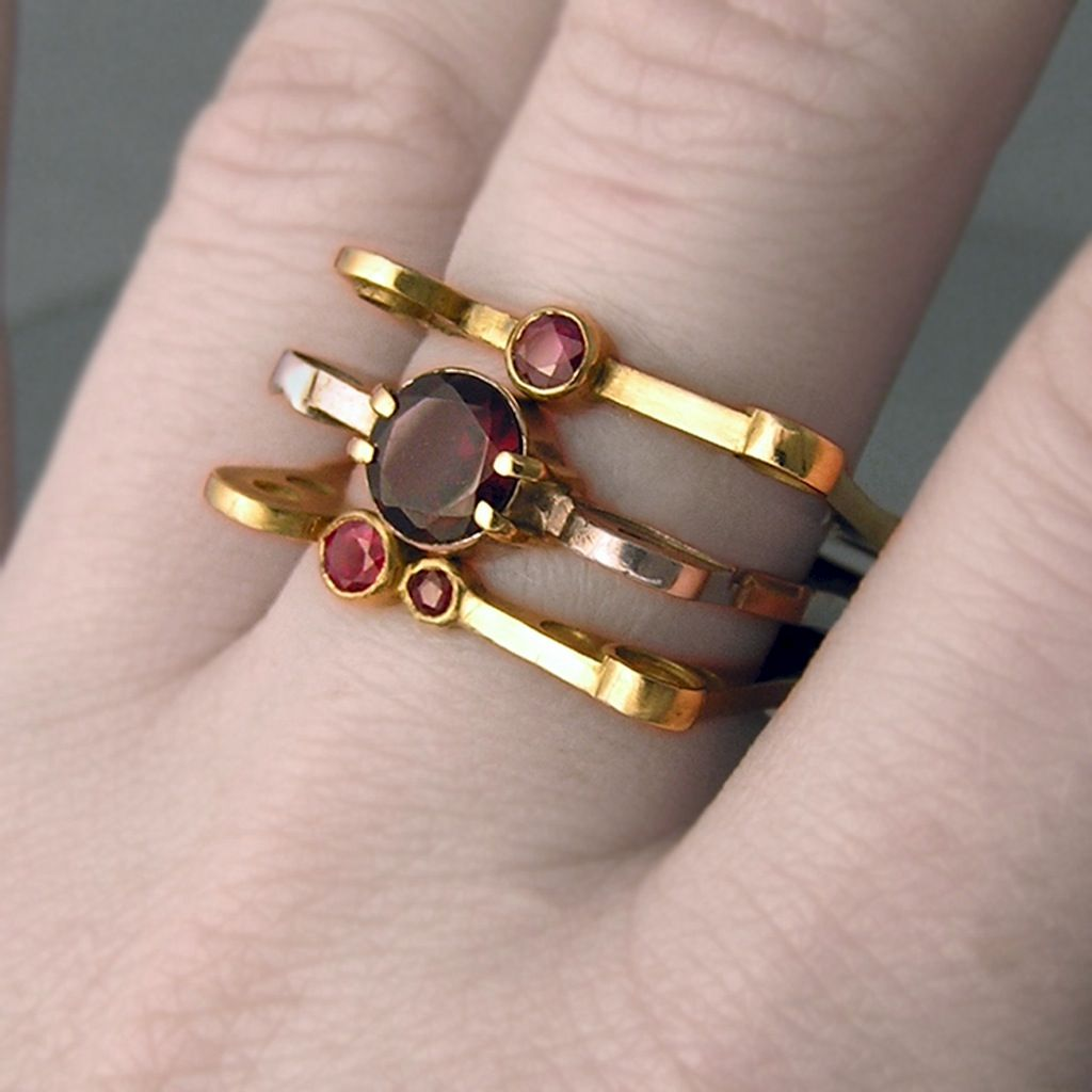 4/2 Ring, Garnet - product images  of