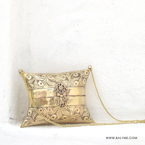 Chenay Brass Gold Clutch/Bolso de Laton Dorado - product images  of