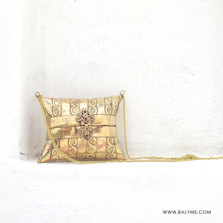 Varkala Brass Gold Clutch/Bolso de Laton Dorado - product images  of