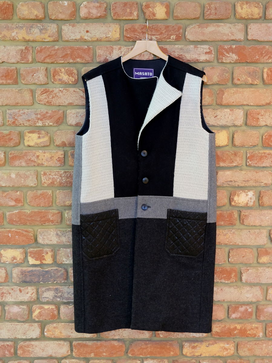 MEN'S WOOL PATCH SLEEVELESS COAT - product image