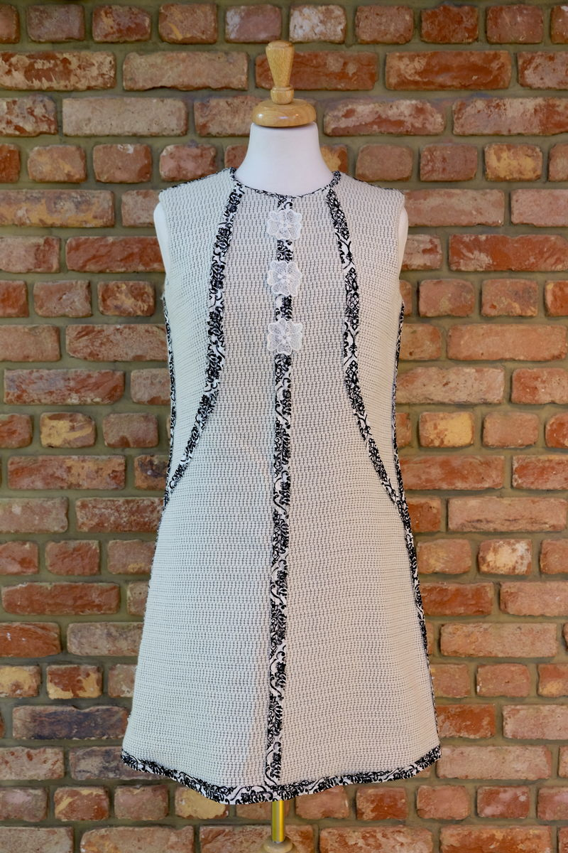 LACE TRIM KNITTED SHIFT DRESS  - product image