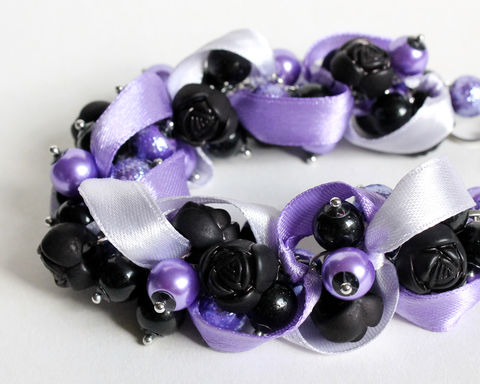 Purple,Lavender,Black,Rose,Cluster,Bracelet,and,Earring,Set,cluster bracelet, black cluster bracelet, black purple bracelet, black purple jewelry set, black violet bracelet, glass pearl bracelet, pearl cluster bracelet, black purple lavender