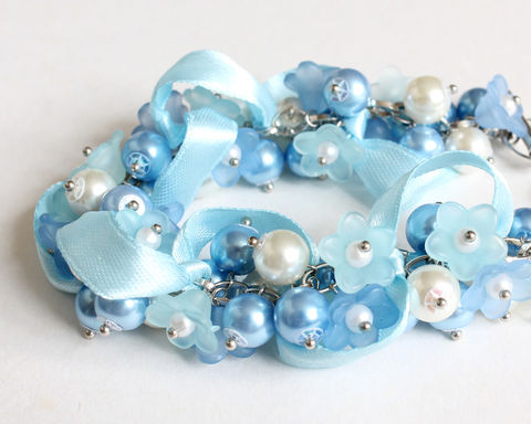 Sky,Blue,Mini,Flower,Cluster,Bracelet,and,Earrings,Set,bracelet earring, cluster bracelet, pearl bracelet, pearl cluster bracelet, light blue bracelet, sky blue bracelet, baby blue bracelet, blue bridesmaid bracelet, powder blue bracelet, blue flower bracelet, blue pearl bracelet