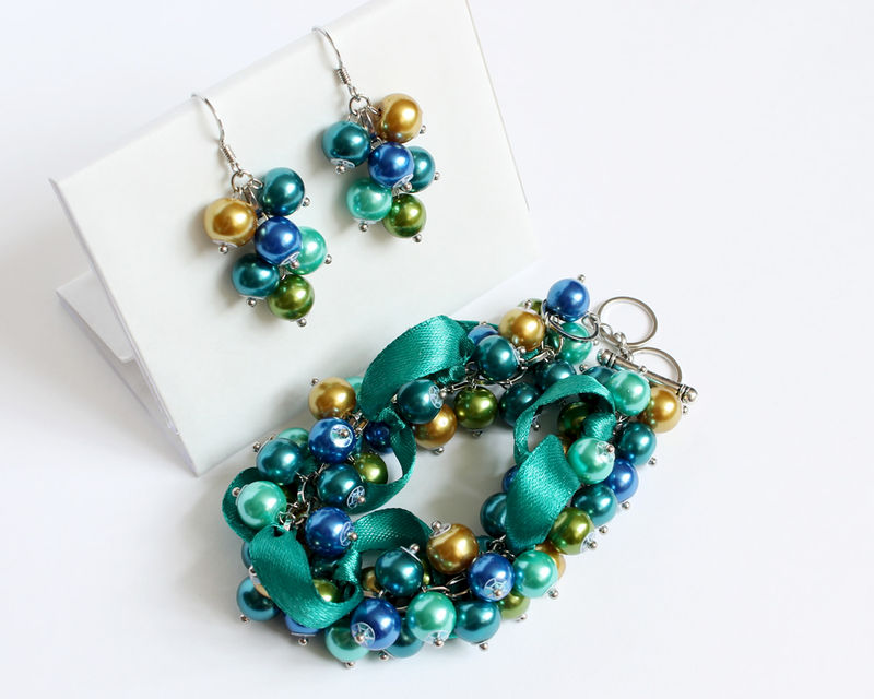 Peacock Color Cluster Bracelet and Earrings Set - product images  of