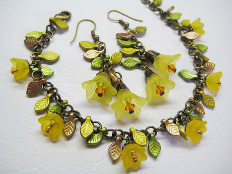 Autumn,Leaves,and,Yellow,Flower,Bracelet,Earring,set,yellow bronze bracelet earring, yellow flower bracelet, yellow flower earrings, autumn theme bracelet earrings, yellow flower leaves bracelet earrings