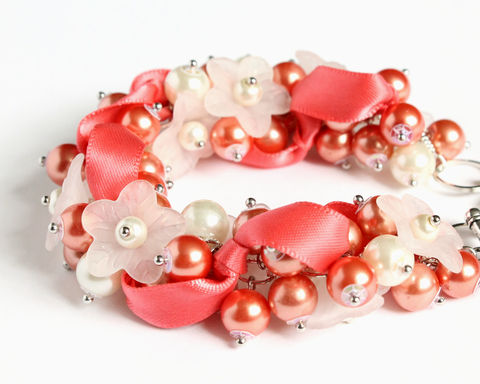 Coral,Pink,White,Flower,Bridesmaid,Cluster,Bracelet,and,Earrings,Set,bracelet earring, cluster bracelet, pearl bracelet, pearl cluster bracelet, flower cluster, coral cluster bracelet, coral pink cluster bracelet, coral bracelet, coral pearl bracelet, coral pink bracelet, salmon pink, salmon orange, apricot orange, orange