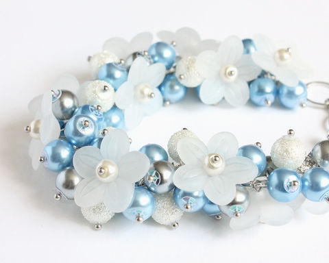 Baby,Blue,White,Flower,Cluster,Bracelet,bracelet earring, cluster bracelet, pearl bracelet, pearl cluster bracelet, flower cluster, baby blue bracelet, light blue bracelet, blue white, sky blue bracelet, light blue cluster bracelet,  white flower, flower bracelet, blue jewelry set, bubble brace