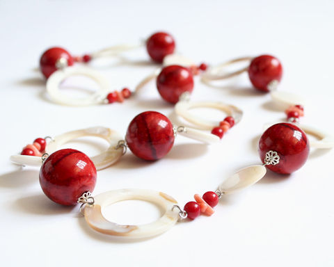 Shell,Coral,and,Red,Beads,Long,Chunky,Necklace,shell coral necklace, coral shell necklace, long chunky necklace, long necklace, long large necklace, seashell necklace, flat shell necklace, red white necklace
