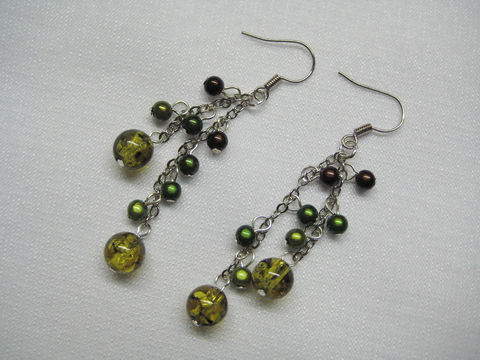 Dangling earrings with amber yellow, green and brown beads - product images  of
