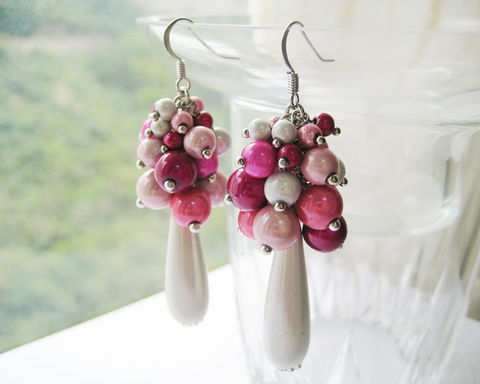 Pink,White,Sheening,Beads,Cluster,Earrings,pink white earrings, white pink earrings, sheening beads earrings, cluster earrings, white teardrop earrings, white long dangle earrings