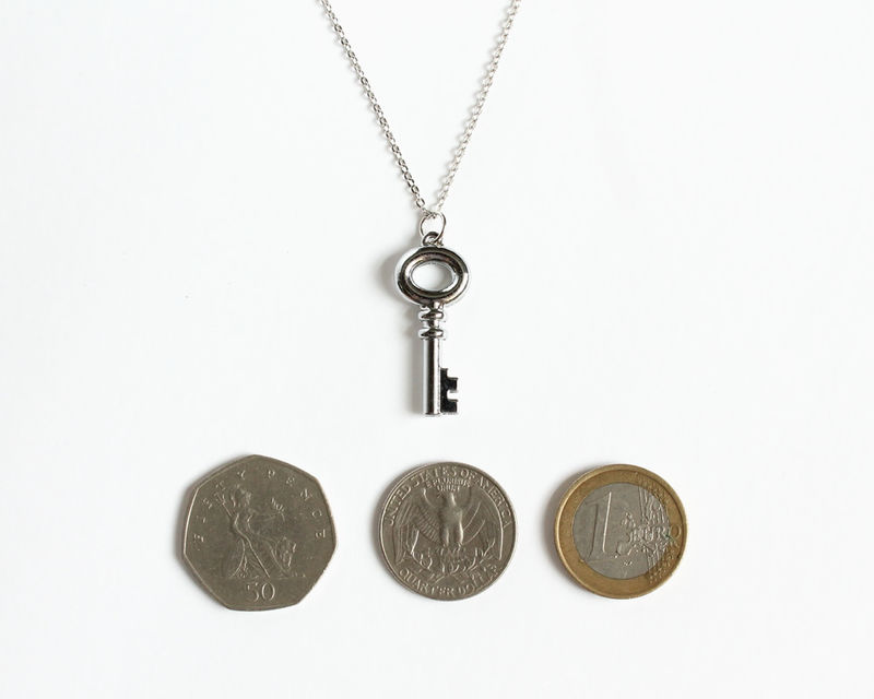 Snow's Small Key Necklace (OUAT) - product images  of