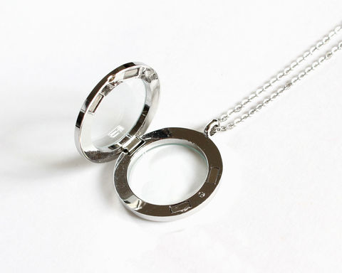 Large,Round,Floating,Locket,(Memory,Locket),memory locket, floating locket, stainless steel memory locket, stainless steel floating locket, round memory locket, round floating locket, silver memory locket, silver floating locket, magnetic memory locket, magnetic floating locket, 30mm floating locke