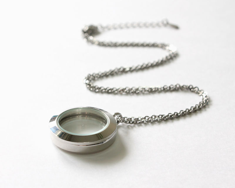 Small Round Floating Locket (Memory Locket) - product images  of