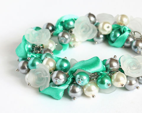 Turquoise,Gray,White,Cluster,Bracelet,and,Earrings,Set,bracelet earring, cluster bracelet, pearl bracelet, pearl cluster bracelet, flower cluster, turquoise gray white bracelet, aqua gray white bracelet, turquoise gray jewelry set, gray aqua jewelry set, aqua gray jewelry set