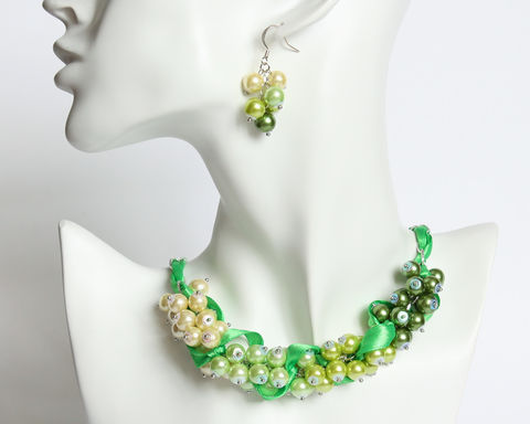 Green,Yellow,Gradient,Cluster,Necklace,and,Earrings,Set,green yellow pearl necklace, green cluster necklace, green pearl cluster necklace, gradient green necklace, green gradient necklace, green cluster jewelry, cluster pearl jewelry, green pearl ribbon necklace, green yellow cluster jewelry set