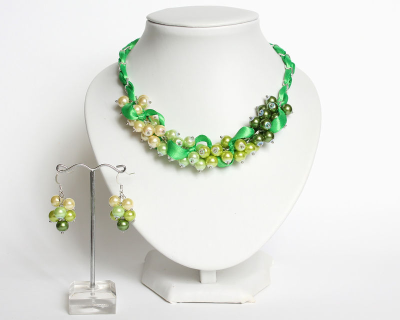 Green Yellow Gradient Cluster Necklace and Earrings Set - product images  of