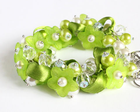Apple,Green,Flower,Cluster,Bracelet,and,Earrings,Set,green cluster bracelet, green bracelet, green bracelet earring set, apple green wedding, apple green bracelet, apple green bridesmaid jewelry, green bridesmaid bracelet, yellow green, green white bracelet, white green jewelry set