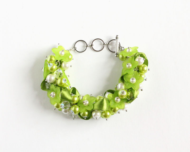Apple Green Flower Cluster Bracelet and Earrings Set - product images  of