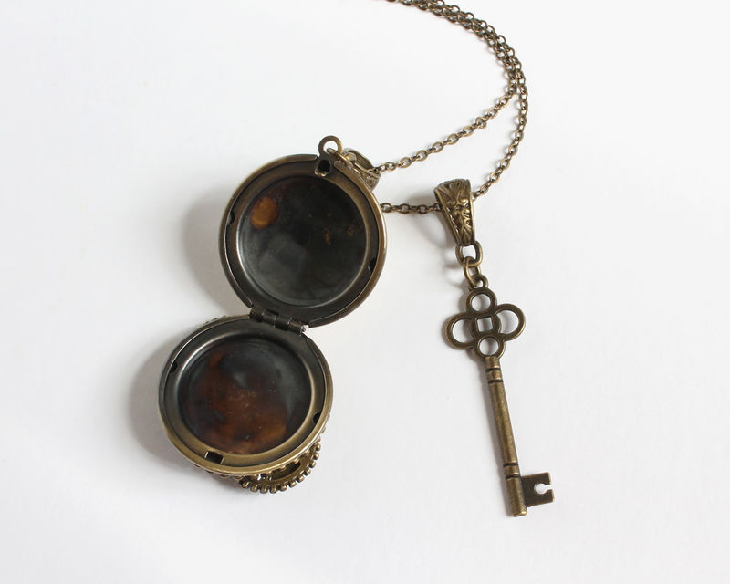 Steampunk True False Detector Locket with Key Necklace - product images  of