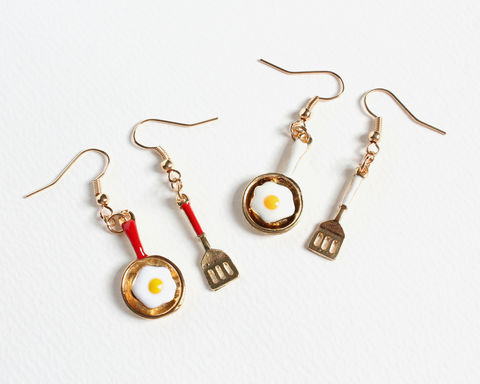 Frying,Egg,and,Spatula,Earrings,frying egg and spatula earrings, frying pan and spatula earrings, frying pan earrings, frying egg earrings, sunny-side up earrings, cooking earrings, breakfast earrings, fried egg earrings
