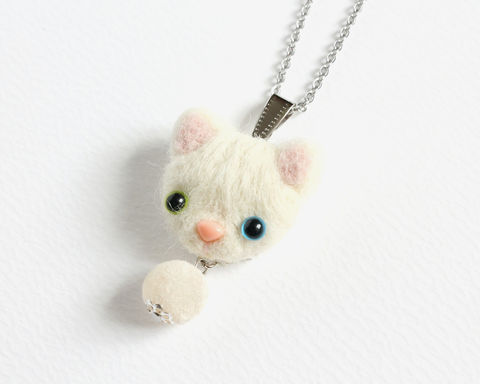 Needle Felted Heterochromic White Cat necklace or brooch or ring or shawl pin - product images  of