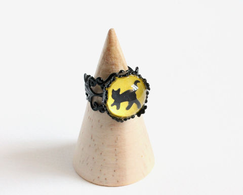 Black,cat,ring,black cat ring, cat ring, cartoon cat ring, cute cat ring, black yellow ring, adjustable cat ring, adjustable black ring, cute animal ring, glass dome ring, glass ring