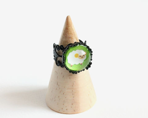 White,sheep,ring,sheep ring, white sheep ring, white woolly sheep ring, sheep grass green ring, cute sheep ring, adjustable sheep ring, adjustable black ring, cute animal ring, glass dome ring, glass ring