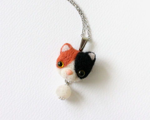 Needle,Felted,Calico,Cat,Necklace,or,Brooch,Ring,Shawl,Pin,needle felted calico cat, needle felted cat, calico cat jewelry, calico cat necklace, calico cat brooch, calico cat ring, wool cat jewelry, needle felted cat brooch