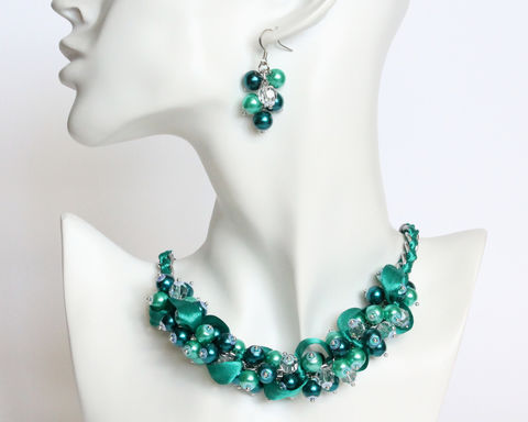 Teal,Turquoise,Cluster,Necklace,and,Earrings,Set,turquoise cluster necklace, turquoise pearl necklace, turquoise bridesmaid necklace, turquoise bridesmaid jewelry set, teal cluster necklace, teal pearl necklace, teal bridesmaid jewelry set, teal bridesmaid necklace and earring set