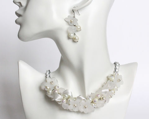 Bridal,White,Pure,Pearl,Cluster,Necklace,and,Earrings,Set,white cluster necklace, bridal white necklace, white flower necklace, white pearl necklace, white pearl cluster necklace, pure white necklace, bride jewelry set, white jewelry set for bride