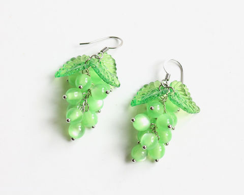 Green,Grape,Earrings,green grape earrings, grape earrings, fruit earrings, dangle grape earrings, green dangle earrings