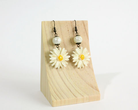 Large,Daisy,Earrings,daisy earrings, large daisy earrings, white daisy earrings, white flower earrings, large flower earrings, bronze earrings, dangle flower earrings, daisy clip on earrings