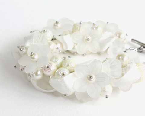 Bridal,White,Pearl,Cluster,Bracelet,and,Earrings,Set,bridal bracelet, bridal jewelry set, bridal cluster bracelet, white bridal bracelet, white bracelet, white cluster bracelet, bride bracelet, bride jewelry, white flower bracelet, ribbon bracelet, pure white bracelet, flower cluster bracelet, white pearl b