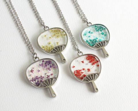 Mini,Flower,Transparent,Fan,Necklace,mini flower necklace, flower fan necklace, japanese fan necklace, asian fan necklace, japanese flower necklace, transparent fan necklace