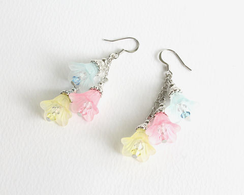 Pastel,Color,Trumpet,Flower,Dangle,Earrings,pastel trumpet flower earrings, dangling flower earrings, clip on earrings, pastel color flower earrings, 3 color flower earrings, pale color flower earrings, pastel color earrings
