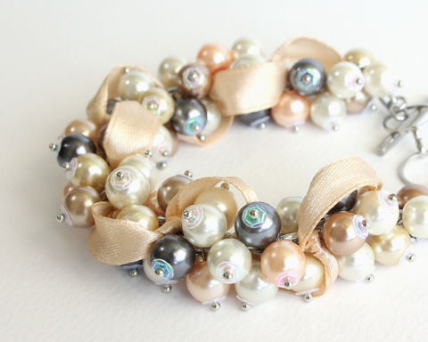 Natural,Pearl,Color,Cluster,Bracelet,and,Earrings,Set,beige cluster bracelet, beige white cluster bracelet, bridesmaid bracelet, natural pearl color cluster bracelet, real pearl color cluster bracelet, white beige peach gray pearl bracelet, white beige pearl bracelet earrings set
