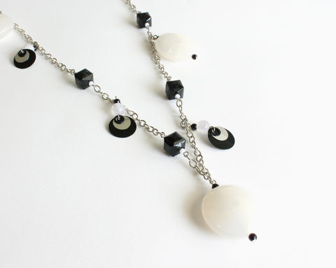 Black,and,White,Large,Beads,Chunky,Long,Necklace,long chunky necklace, large round bead necklace, large bead necklace, black bead necklace, black and white large bead necklace, black white chunky necklace, statement necklace