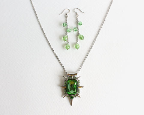 Zelena,Wicked,Witch,Necklace,and,Earrings,(OUAT),zelena necklace, wicked witch necklace, zelena green necklace, green rhinestone necklace, green wicked witch necklace, zelena jewelry, once upon a time zelena necklace, once upon a time jewelry, once upon a time necklace, ouat necklace, green Swarovski cr