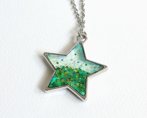Blue,and,Green,Glitter,Star,Necklace,star necklace, glitter star necklace, blue green glitter necklace, blue green star necklace, transparent star necklace, transparent glitter pendant necklace