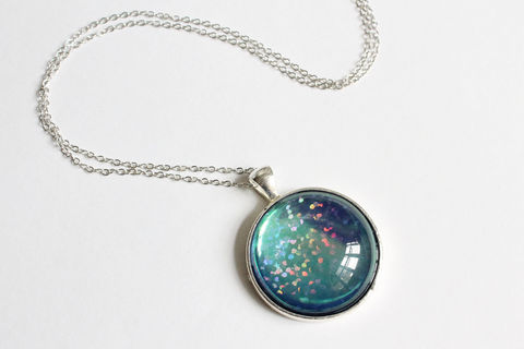 Dichroic,Round,Pendant,Necklace,Dichroic Round Pendant Necklace, dichroic color necklace, color changing necklace, round pendant necklace