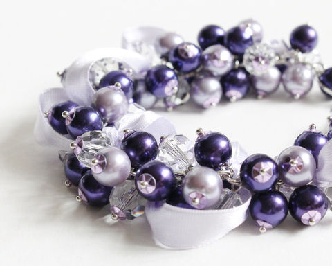 Dark,Purple,and,Lavender,Bracelet,Earrings,Set,for,Bridesmaid,purple cluster bracelet, dark purple bracelet, purple pearl bracelet, dark purple pearl bracelet, purple bridesmaid bracelet, violet bridesmaid bracelet