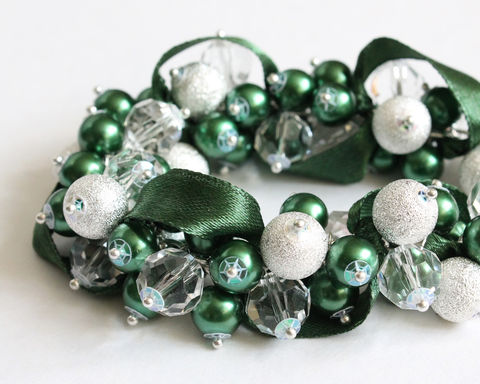 Dark,Green,Forest,Bracelet,and,Earring,Set,dark green cluster bracelet, dark green bracelet, dark green bridesmaid jewelry, dark green bridesmaid bracelet, forest green bracelet, forest green cluster bracelet, green cluster bracelet, emerald cluster bracelet, st patrick's day bracelet, st patrick'