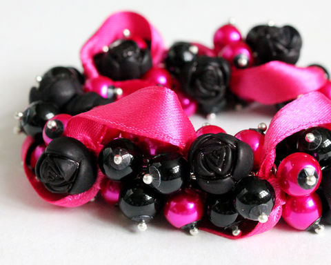 Black,and,Magenta,Shocking,Pink,Cluster,Bracelet,Earring,Set,cluster bracelet, black cluster bracelet, black magenta bracelet, black hot pink bracelet, black shocking pink bracelet, shocking pink cluster bracelet, black pink bracelet, hot pink bracelet, black magenta jewelry set