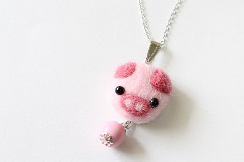 Needle,Felted,Piggy,Necklace,felted necklace, pig necklace, wool pig necklace, needle felted pig, needle felted necklace, piggy necklace, pink pig necklace