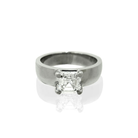 Platinum,Engagement,Ring,with,Asscher,Cut,Diamond,(a,recycled,remake),-,commission,only,Bespoke engagement ring, london, platinum, recycled platinum, asscher