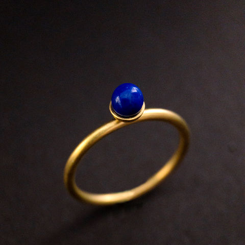 Konfetti,Ring,-,Lapis,blau, Solitär, Ring, Vorsteckring, stacking, feiner Ring, filigran, minimalistisch, Kugel, Kügelchenring, Schmuck, Regensburg, Goldschmiede, ring