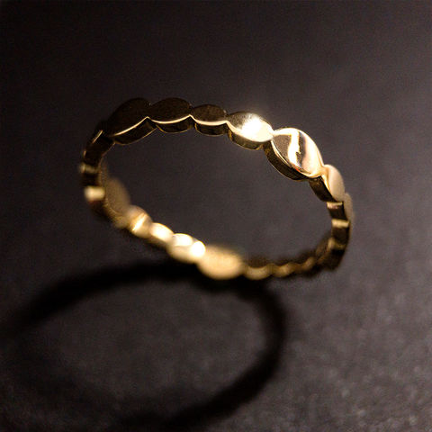 Satellite,-,Pavonis,Stellite, Boho, Ring, Vorsteckring, stacking, feiner Ring, filigran, minimalistisch, Kugel, Kügelchenring, Schmuck, Regensburg, Goldschmiede, ring