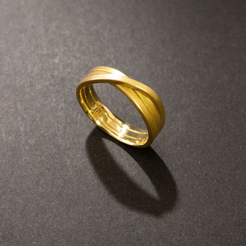 ring,-,endloses,Band,3-fach,1,5,Eheringe, Regensburg, Knoten, Verlobungsring, besonders, Alternative, ohne Diamant, Fair, Recycletes Gold